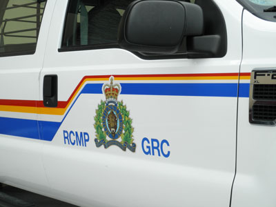 MAN'S BODY FOUND ON THE ROAD IN STRATHCONA COUNTY