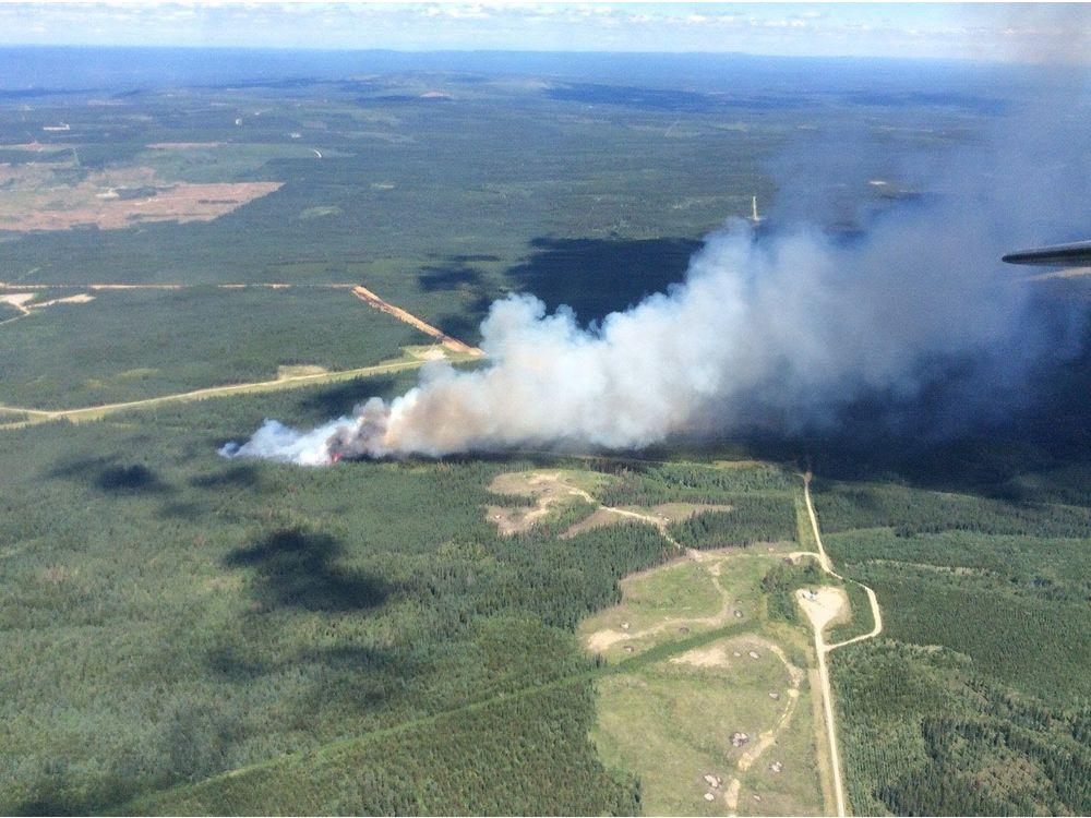 WILDFIRE OUT OF CONTROL NEAR HINTON