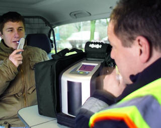 CANADA GETS THUMBS UP FOR ROADSIDE SALIVA TEST