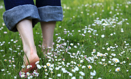 GROUNDING TOUTED AS A WAY OF FEELING BETTER