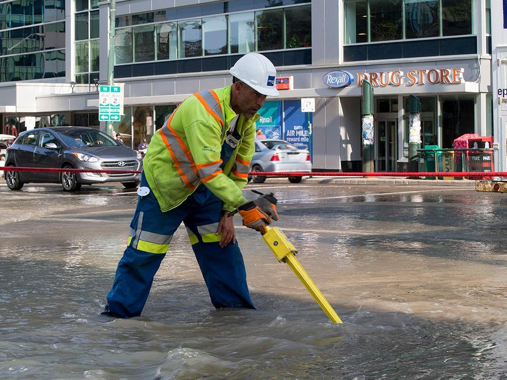 DOWNTOWN EDMONTON WATER MAIN BREAK COULD CAUSE MORE PROBLEMS THIS MORNING