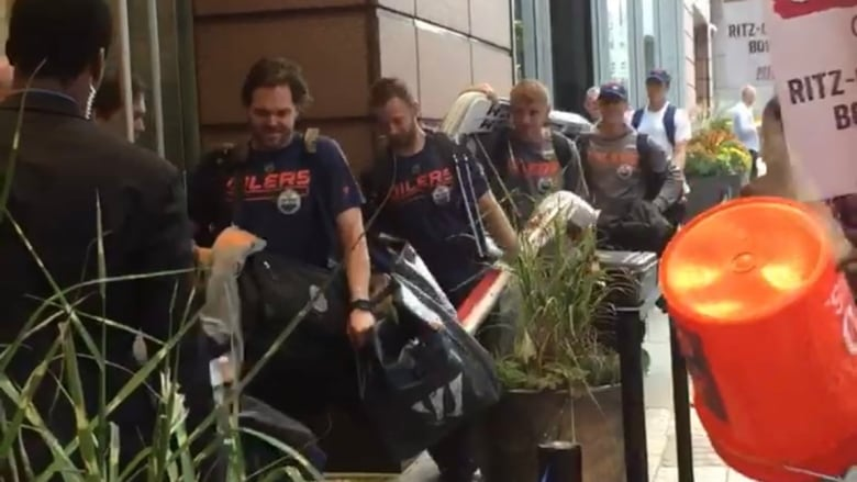 NO MINTS ON THE PILLOWS OF THE OILERS STAYING AT THE RITZ-CARLTON IN BOSTON