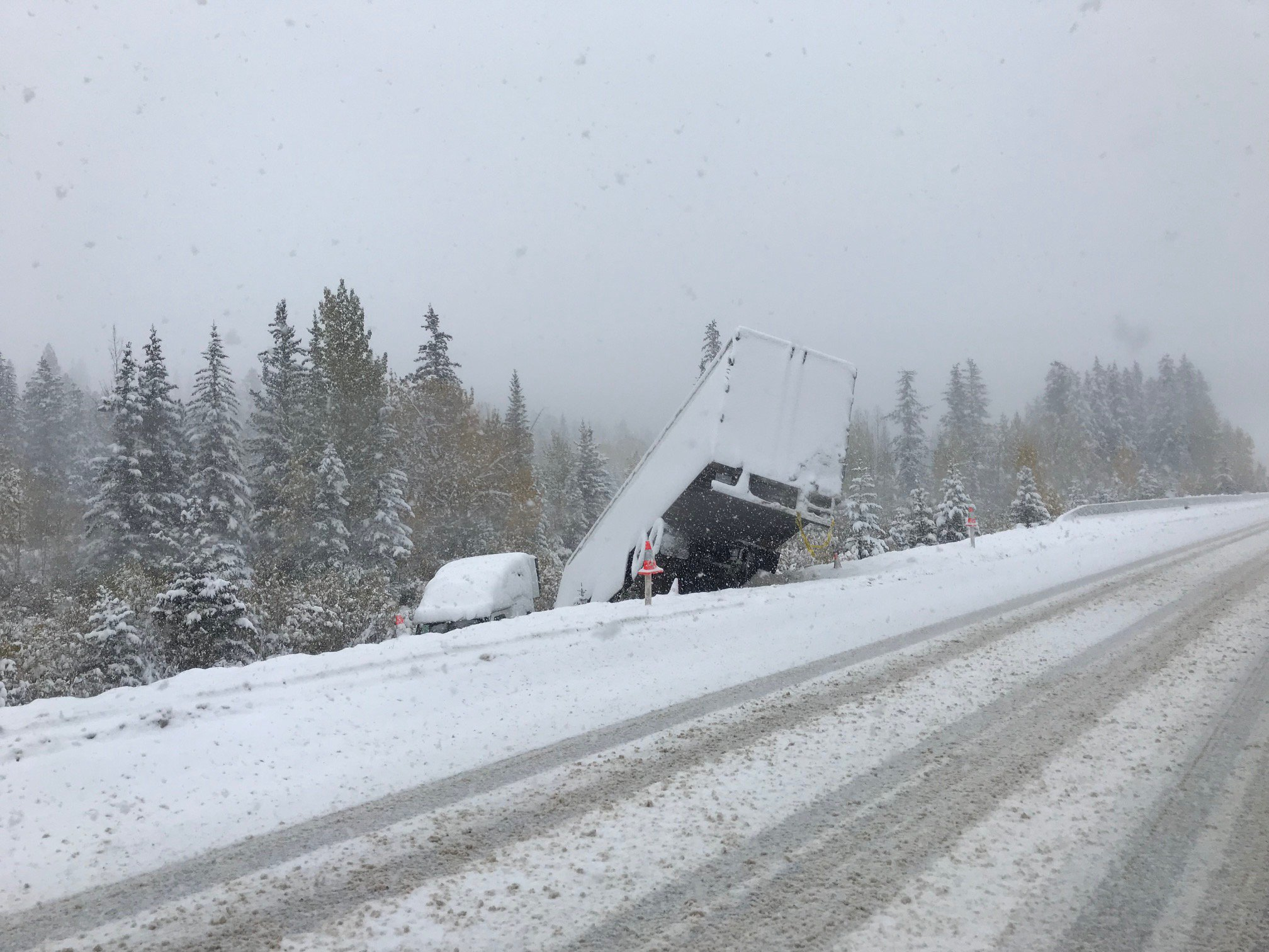 TERRIBLE ROAD CONDITIONS IN SOUTHERN ALBERTA LEAVES MANY STRANDED