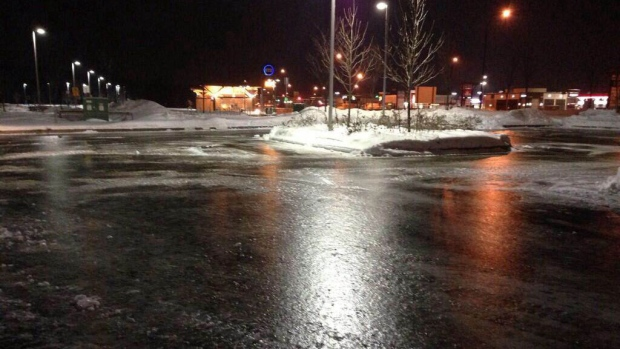 EXTREMELY ICY STREETS AND HIGHWAYS IN THE CAPITAL REGION