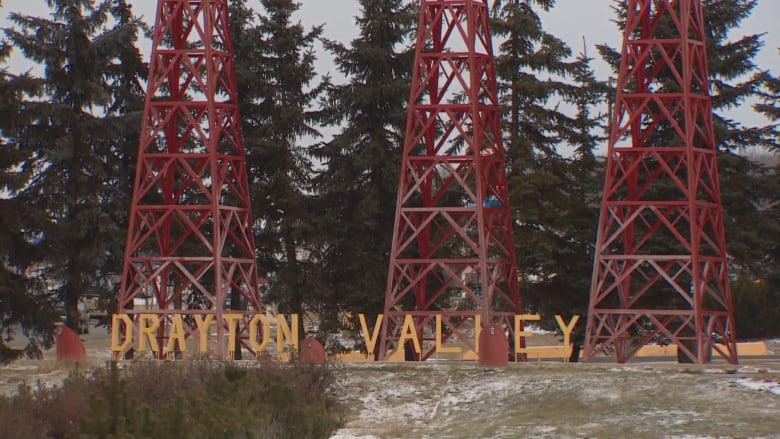DRAYTON VALLEY PLANNING TO RALLY FOR THE OIL INDUSTRY WHILE THE PREMIER CALLS ON THE FEDS TO HELP