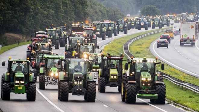 MASSIVE FARM PROTEST IN THE NETHERLANDS TODAY