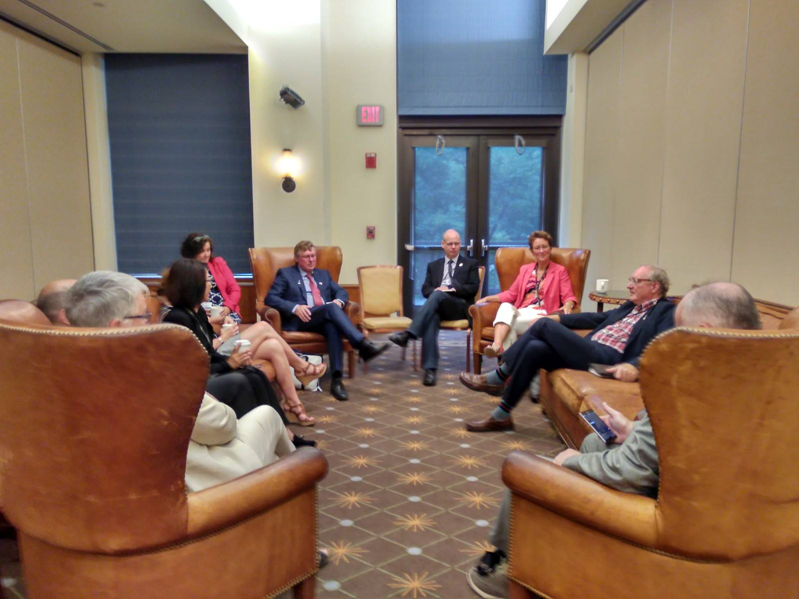MacLauchlan meets with Premiers and Governors in Vermont