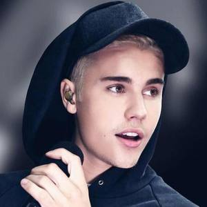 Justin Bieber Angers Stockholm Crowd
