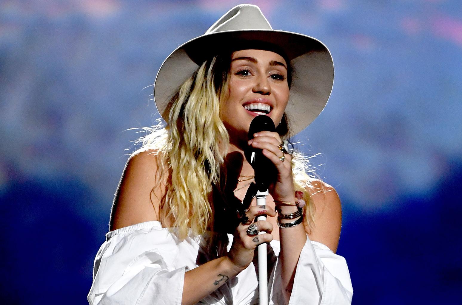 2017 Billboard Music Awards - Show