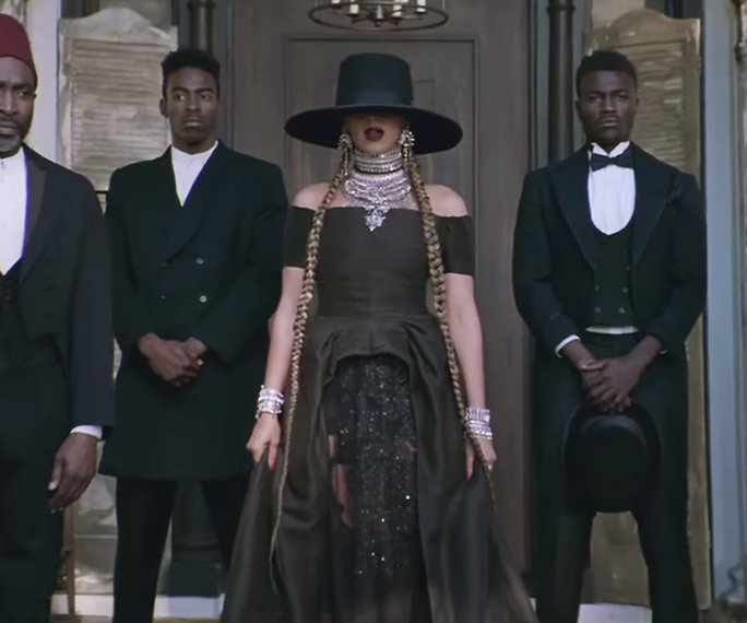 020816-beyonce-formation-beauty-1