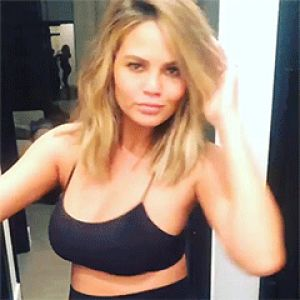 Chrissy Teigen nearly pees her pants thanks to her toilet going missing!